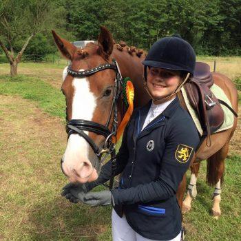 Katharina Keil mit Pferd